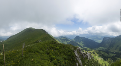 Wanderung auf den Moléson, oberhalb Gruyères, von Plan Francey via Gros Plané, Le Villard, Crête de Moléson auf den Gipfel Moléson