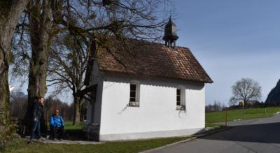 Wanderung auf dem Bruder-Klausen-Weg (Nr. 571) von Stans via St. Jakob (Ennetmoos), Pilger-Stibli in Kerns, St. Antoni, St. Niklausen OW, zur Schlucht Melchaa mit den Raftkapellen (Niklaus von Flüe / Bruder Klaus) nach Flüeli-Ranft und weiter nach Sachseln am Sarnersee