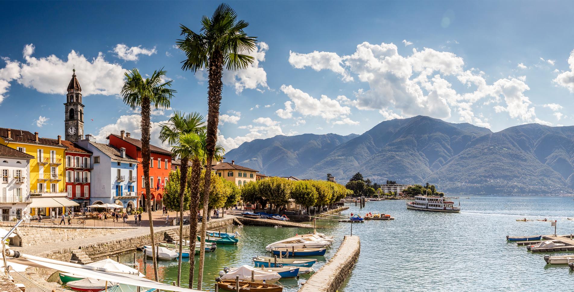 Wanderung auf dem Panoramaweg von Tenero am Ufer des Lago Maggiore entlang via Minusio, Muralto, Locarno nach Ascona