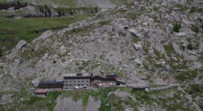 Wanderung von der Bergstation Sunnbüel, Kandersteg, via Spittelmatte, Arveseeli, Berghotel Schwarenbach, Daubensee auf die Gemmi und zum Gemmipass