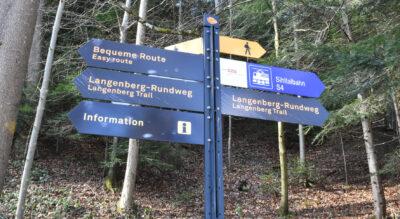 Wanderung vom SZU-Bahnhof Wildpark-Höfli zum Wildnispark Zürich Langenberg und weiter am Sihluferweg entlang nach Adliswil
