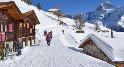 Winterwanderung im Lötschental, Wallis, von der Bergstation Stafel zur Lauchernalp