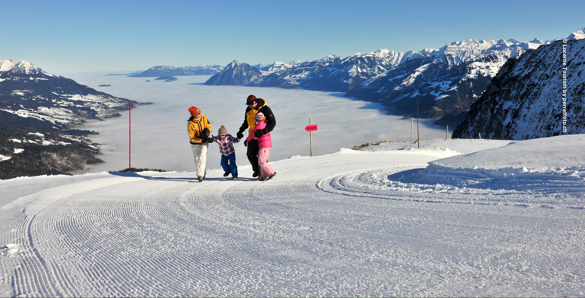 Winterwanderung von der Mörlialp, oberhalb Giswil, via Merliseeli, Mörliwald, Hackerenhütte, Iwi Kapelle und wieder zurück zur Mörlialp