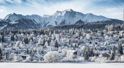 Winterwanderung auf dem Panoramaweg von der Bergstation Naraus via Startgels, Runcahöhe nach Flims (Flims/Laax)
