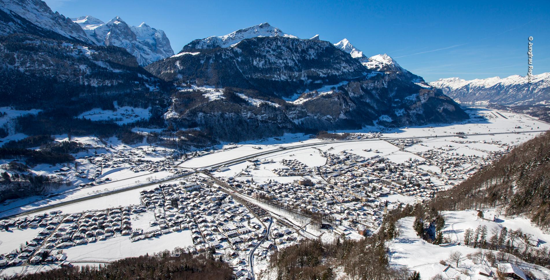 Winterwanderung auf dem Panoramaweg Hasliberg, oberhalb Meiringen und dem Haslital, von Hasliberg Reuti via Hasliberg Wasserwendi, Hasliberg Hohflue zum Brünigpass und Brünig