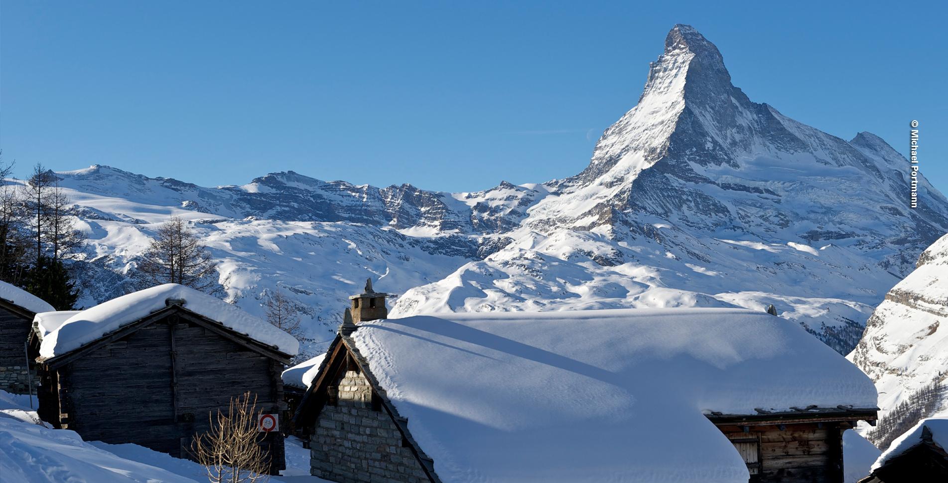 Winterwanderung von der Riffelalp Station, oberhalb Zermatt, via Riffelalp Hotel, Chämi Hitta, Restaurant Ritti nach Zermatt Winkelmatten