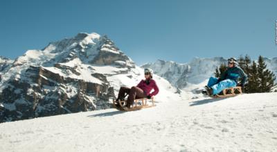 Winterwanderung von der Bergstation First via Bachalpsee auf das Faulhorn mit Schlitteln nach Grindelwald oder winterwandern bis zur Bussalp