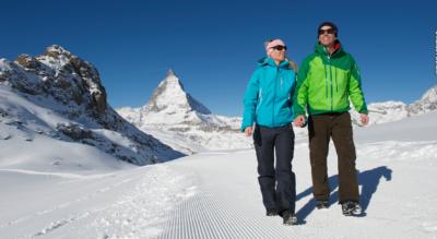 Winterwanderung oberhalb von Zermatt von der Bergstation Rotenboden am Riffelseeli vorbei zum Riffelberg mit dem legendären Riffelhaus