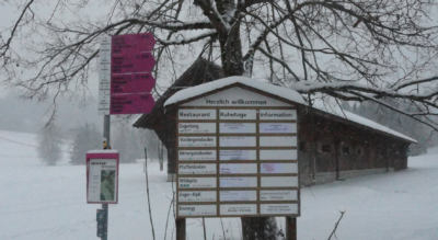 Winterwanderung auf dem Zugerberg im Zugerland bei Zug via Früebuel, Pfaffenboden, Räbrüti, Brand, Restaurant Vordergeissboden zurück zum Zugerberg mit anschliessender Möglichkeit zum Schlitteln