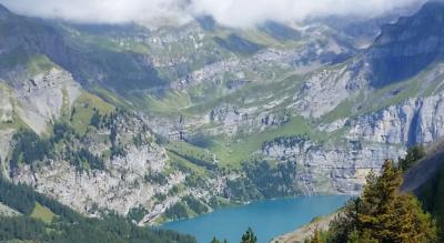 Wanderung von Kandersteg via Holzpfad, Biberg zur Doldenhornhütte und über den Öschibach zurück nach Kandersteg